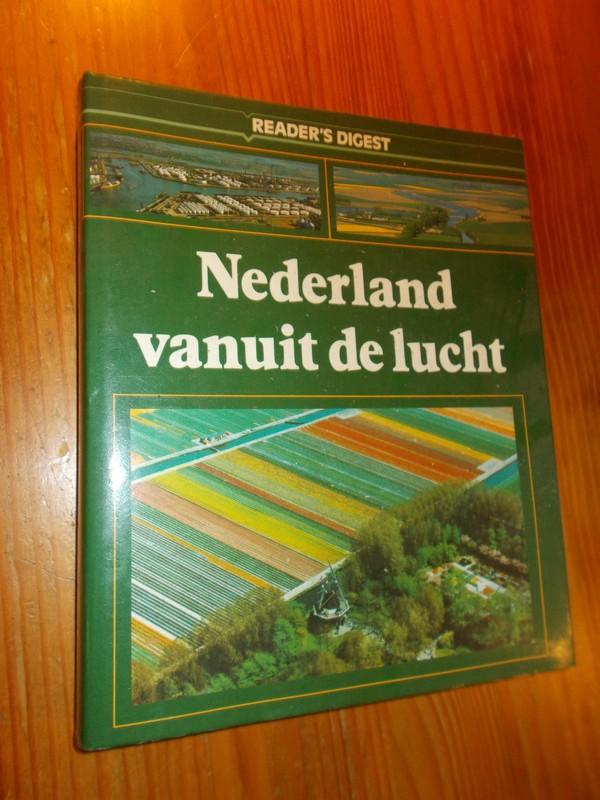 RED. - Nederland vanuit de lucht.