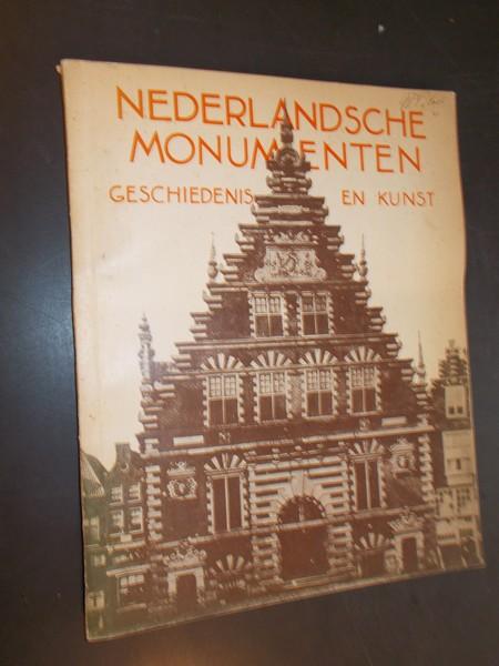 RED.- - Nederlandsche monumenten; geschiedenis en kunst.